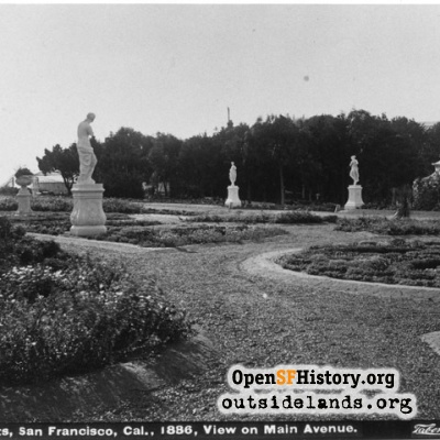 Sutro Heights. Statuary and gardens, with Venus De Milo at right