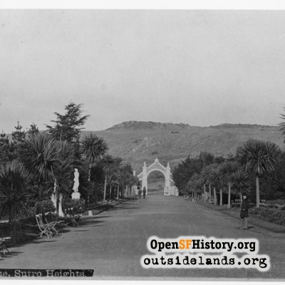 Sutro Heights Main Gate and Palm Avenue