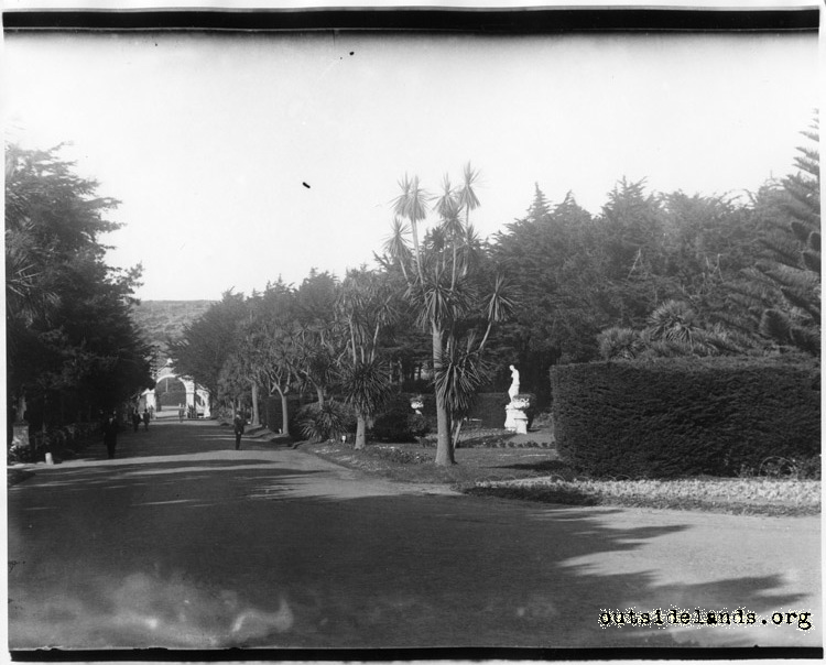Sutro Heights. Palm Drive and Main Entrance Gatel