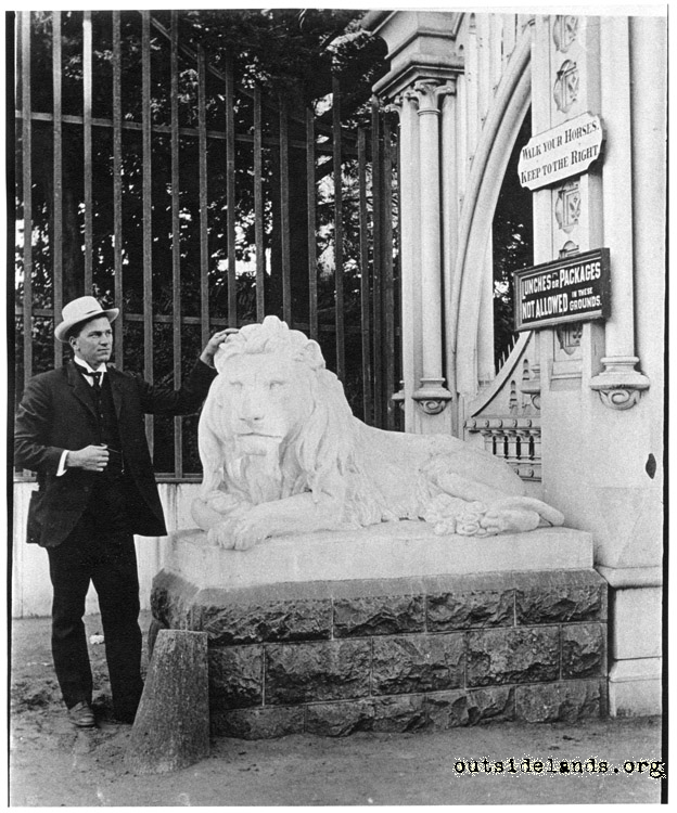 Sutro Heights. Reclining lion at Main Entrance Gates