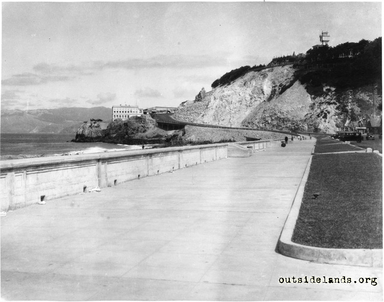 Ocean Beach. View north along esplanade near foot of Cabrillo St.