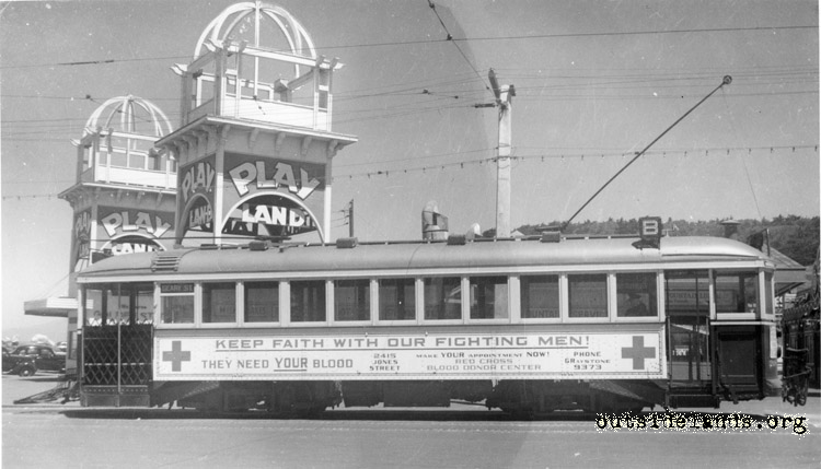 B streetcar at turnaround at Cabrillo and Great Highway
